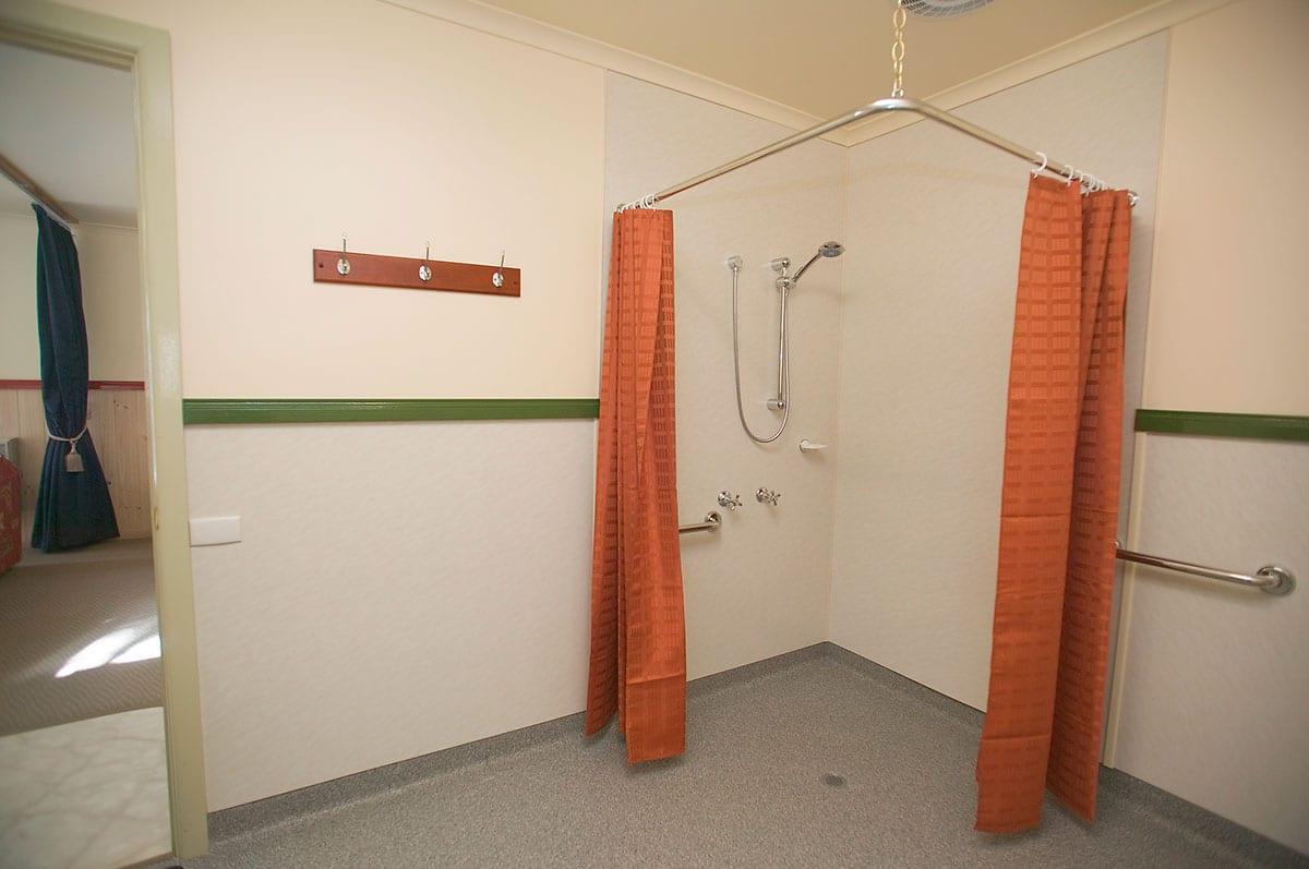 Esplanade.-Bathroom.-Studio.-Unit-3