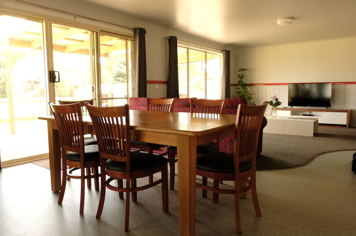Tasman.-Dining-and-living